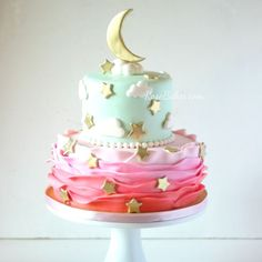 Twinkle Twinkle Little Star Party: Cake, Smash Cake and Cake Pops - Baby Shower Baby Cakes, Baby Shower Cakes, Girl Cakes, Sailor Moon Cakes, Star Wars Party, Star Party, 1st Birthday Cake Smash, Birthday Cake Girls, Sweet 16
