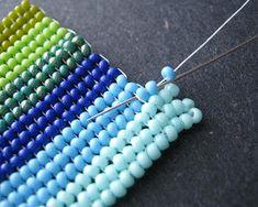 Bildergebnis für about herringbone stitch beadwork Seed Bead Jewelry Tutorials, Beaded Jewelry Designs, Beading Tutorials, Handmade Jewelry, Herringbone Necklace, Herringbone Stitch, Necklace Tutorial, Beads Tutorial, Flower Tutorial