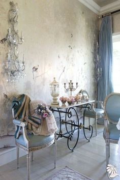 Imaginative collaborated french country shabby chic home their explanation Shabby Chic Furniture, Shabby Chic Interiors, Shabby Chic Homes, Beautiful Interiors, French Interior, French Decor, Decoration Shabby, Beautiful Space, Boho Beautiful