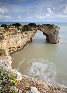 this scene looks beautiful, take me there please. Algarve, Portugal