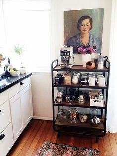 For Coffee Lovers: A Kitchen Cart Devoted Entirely To Coffee Making — Kitchen Inspiration // Ideia para canto do café. Coffee Bar Home, Home Coffee Stations, Coffee Corner, Coffee Station Kitchen, Coffee Time, Kitchen Decor, Kitchen Design, Diy Kitchen, Kitchen Carts