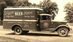 Old Studebaker Hamm's beer truck. Antique Trucks, Vintage Trucks, Vintage Auto, Station Wagon, Cool Trucks, Big Trucks, Beer History, Hamms Beer, Old American Cars