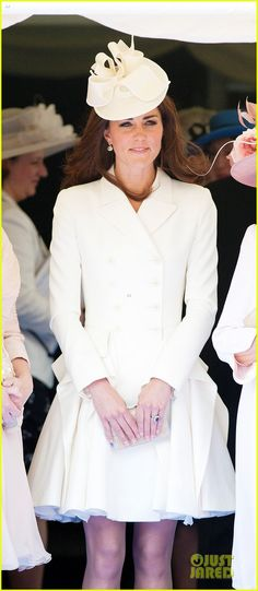 Duchess Kate: Order of Garter Service with Queen Elizabeth! | kate middleton order garter service 04 - Photo