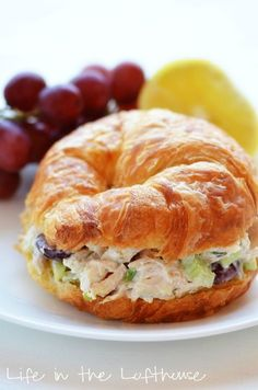 Love these chicken salad croissant sandwiches! Great for lunch on the beach, at a baby/bridal shower, tea party, or just a meal at home! Chicken Salad Croissant Sandwiches 6 c. Croissant Sandwich, Chicken Salad Croissant, Soup And Sandwich, Chicken Salad Recipes, Chicken Salads, Chicken Salad Sandwiches, Croissant Bread, Croissant Recipe, Chicken Ideas