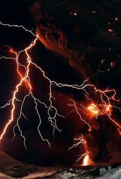 Lightning streaks across the sky as lava flows from a volcano in Eyjafjallajokul April Credit:LUCAS JACKSON Lightning Photography, Nature Photography, Photography Tips, Portrait Photography, Wedding Photography, Thunder And Lightning, Lightning Storms, Lightning Strikes, Fuerza Natural