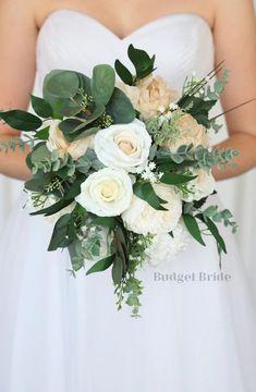 Small Wedding Bouquets, Bride Bouquets, Bridal Flowers, Flower Bouquet Wedding, Vintage Wedding Flowers, Bridal Bouquet Fall, Summer Wedding Flowers, November Wedding Flowers, Champagne Wedding Flowers