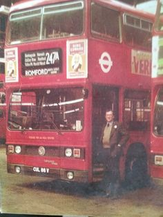Bus Coach, London Bus, London Transport, Coaches, Buses, Old Photos, Trains, Stamping, Transportation