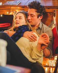 Jeremy Allen White and Addison Timlin Christmas 2017 Photo