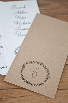 Free printable: simple wreath escort cards | Limn & Lovely