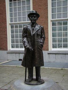 """Louis Couperus, """"Zoo ik iets ben, ben ik een Haagenaar"""", Den Haag, Zuid-Holland."""