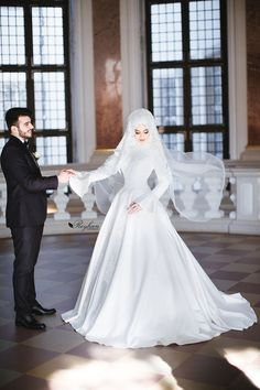 Düğün Fotoğrafları (Hijab) – Best Of Likes Share Muslim Wedding Gown, Hijabi Wedding, Muslimah Wedding Dress, Muslim Wedding Dresses, Muslim Brides, Bridal Dresses, Islam Wedding, Couple Goals Tumblr, Cute Muslim Couples