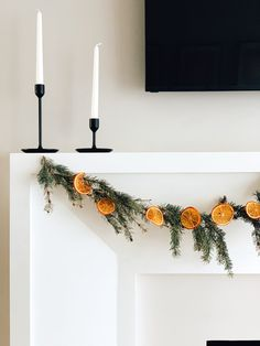 Dried orange garland – Simply Styled Inspo - Home decor scandinavian Winter Christmas, Christmas Home, Christmas Crafts, Diy Christmas Decorations, Holiday Decor, Seasonal Decor, Diy Garland, White Garland, Merry And Bright