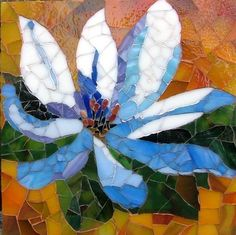 Don't forget to incorporate stained glass broken pieces Mosaic Tile Art, Mosaic Artwork, Mosaic Crafts, Mosaic Projects, Stone Mosaic, Mosaic Glass, Mosaic Tray, Mosaic Designs, Mosaic Patterns