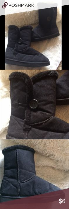 Black button slipped boots These are so cute and cozy for a lazy day around the house!  They could easily be used to go out too, but they were made more for use as slippers.  Black with a button on the side and faux fur on the inside.  Size 8.  Used but no flaws.  Message me with questions! Shoes Slippers