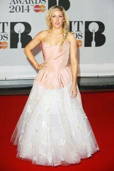 Die Brit Awards am 19. Februar 2014 waren eigentlich eine große Musik-Party, doch auch modisch hatten die Gäste wie Nicole Scherzinger und Lily Allen einiges zu bieten. Wir zeigen acht verrückte Looks des Abends, bei denen man einfach nicht wegsehen kann.