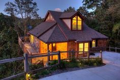 Luxurious Chalet with Stunning Mountain/Lake Views in Ellijay