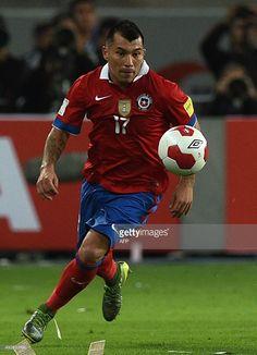 Gary Medel en el PERU 3 CHILE 4 Cardiff, Defenders, Peru, Chile, Baseball Cards, Sports, Tops, Fashion, Turkey