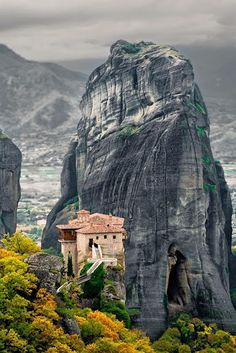 This Place is Meteora Monastery Greece. This Place is Meteora Monastery Greece. Sacred Architecture, Romanesque Architecture, Cultural Architecture, Places Around The World, Around The Worlds, Athens Acropolis, Places To See, Beautiful Places, Scenery