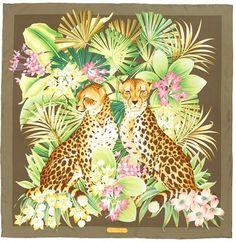 9b49aca9ad87 Salvatore Ferragamo Foulard Leopard silk scarf Sciarpa Con Stampa Di  Animali, Sciarpa Leopardata, Salvatore