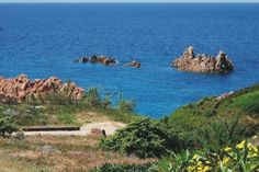 Sea View House - simple accommodation, stunning view! http://www.holidayhomesinitaly.co.uk/rsm/27/property/1328/sea-view-house
