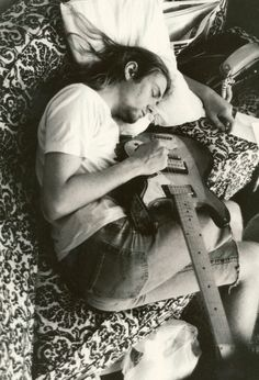 Kurt Cobain. This photo is so ridiculously packed with emotion...
