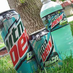 Mountain Dew Baja Blast - Drink of the Gods Mtn Dew Baja Blast, Pepsi Cola, Coke, Ghost Adventures Zak Bagans, Blue Food, Weird Food, Mountain Dew, Mixed Martial Arts, Energy Drinks