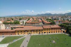 il prato verde di piazza duomo di Pisa Pisa, Web Magazine, Tuscany, Dolores Park, Cities, Travel, Medium, Italia, Rook