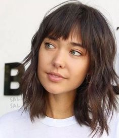 Most Pretty Short Wavy Hair with Bangs Ideas - The UnderCut Short-Layered-Shag-Haircut-wit. Haircuts For Fine Hair, Hairstyles With Bangs, Straight Hairstyles, Easy Hairstyles, Office Hairstyles, Anime Hairstyles, Stylish Hairstyles, Hairstyles Videos, Hairstyle Short
