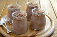Healthy Chia Seed Recipes Chocolate chia seed mousse -- this mojo vitality website is legit! Healthy Treats, Healthy Desserts, Raw Food Recipes, Yummy Treats, Delicious Desserts, Sweet Treats, Cooking Recipes, Yummy Food, Healthy Eating