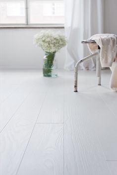 Hallway Flooring, Wooden Flooring, White Wooden Floor, Maple Floors, Floor Colors, Luxurious Bedrooms, Bedroom Colors, Home Buying, Decoration
