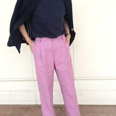 秋アウターは「紺ブレ」かユニクロ ユーの「防水コート」 | スタッフの 今日のコーデ | mi-mollet(ミモレ) | 明日の私は、もっと楽しい Pants, Fashion, Trouser Pants, Moda, Fashion Styles, Women's Pants, Women Pants, Fashion Illustrations, Trousers