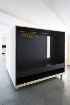 AtelierHouse est un projet commandé au talentueux designer Hary Thaler,parle Musée d'Art Moderne et Contemporain de Bolzano, en Italie.D...