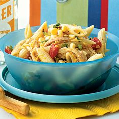Healthy lunch ideas including this southwestern chicken pasta salad