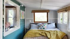 Houseboat in Australia: Tiny bedroom