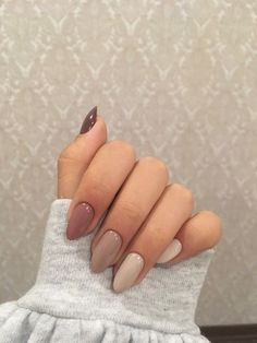 Nails with faded colors - ChicLadies.uk - Nails with faded colors – ChicLadies.uk Source by darquiseval Almond Nail Art, Almond Acrylic Nails, Best Acrylic Nails, Rounded Acrylic Nails, Classy Almond Nails, Simple Acrylic Nails, Dream Nails, Love Nails, Pretty Nails