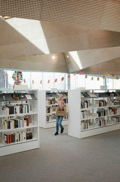 TANK Architectes, Julien Lanoo · MEDIATHEQUE LA MADELEINE
