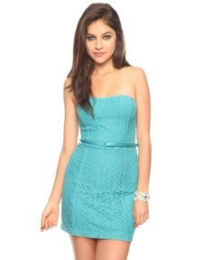 Just bought this today and changed the belt out to a taupe color to match my taupe heels, lovin the natural tones!