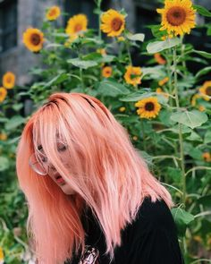 5 Pastel Pink Hair Color Ideas for 2019 : Take a look! – Aktuelle Damen Frisuren 5 Pastel Pink Hair Color Ideas for 2019 : Take a look! Pastell Pink Hair, Hair Color Pink, Cool Hair Color, Pastel Pink, Wild Hair Colors, Orange And Pink Hair, Pastel Hair Colors, Pink Peach Hair, Pastel Style