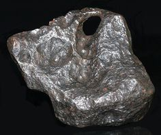 Meteorite Campo del Cielo, impact with a natural hole 1861grms Iron-Nickel (IAB)