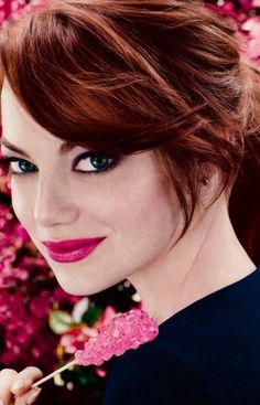 Makeover Timeline: See Emma Stone's Transformation Through The Years I think her hair color here mig Emma Stone News, Bright Pink Lipsticks, Red Hair Color, Red Hair Dye For Dark Hair, Dark Red Hair With Brown, Dark Auburn Hair Color, Auburn Brown, Red Color, Hair Dos