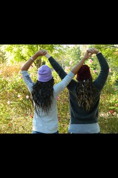 Infinity sign with your best friend  #photoshoot #vacation #love