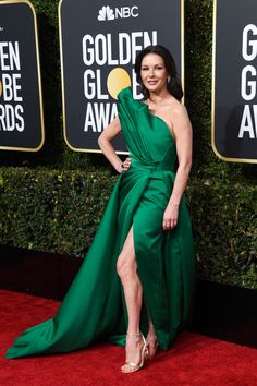 Catherine Zeta-Jones In Elie Saab Haute Couture - The Most Daring Red Carpet Dresses At The 2019 Golden Globes - Livingly Catherine Zeta Jones, Best Celebrity Dresses, Celebrity Style, Golden Globe Award, Golden Globes, Swansea, Glamorous Dresses, Elegant Dresses, Red Carpet Gowns