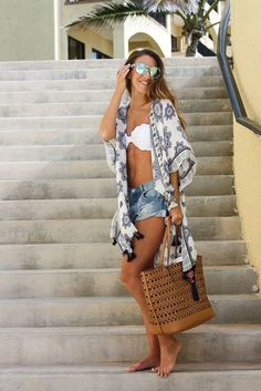 party outfit To the Beach: Kimono Cover Up (Twenties Girl Style) Zum Strand: Kimono Cover Up Beach Vacation Outfits, Honeymoon Outfits, Vacation Style, Vacation Packing, Summer Vacations, Mexico Beach Outfits, Cancun Outfits, Weekend Packing, Vegas Outfits