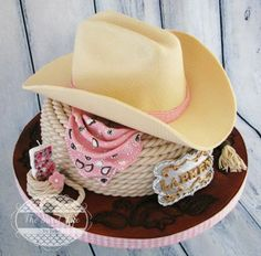 www.cakecoachonline.com - sharing...Cowboy hat  buckle cake