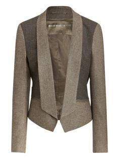 En LA FEDERICA podés encontrar el blazer Paris en beige o negro!