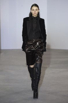 Olivier Theyskens Fall 2018 Ready-to-Wear Fashion Show Collection