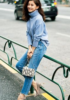 Everyday Look, Classic Style, Classic Fashion, Casual Looks, Denim Skirt, Hairstyle, Autumn, Stylish, Jeans