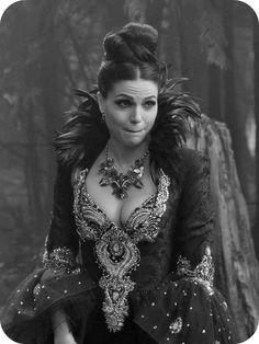 Lana Parrilla.  Regina Mills, Evil Queen, ouat