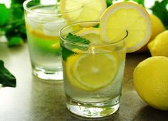 Miracle Diets - Diabetic Diet: How Lemon and Lemon Water Can Help Cure Diabetes Lire la suite /ici :www. - The negative consequences of miracle diets can be of different nature and degree. Lemon Water Benefits, Lemon Health Benefits, Home Remedies For Gastritis, Detox Your Colon, Drinking Lemon Water, Hypothyroidism Diet, Fruit Infused Water, Cure Diabetes, Wellness