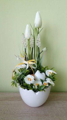 dekorBEA / Jarna dekoracia v keramickej skrupinke Garden Edging, Home Crafts, Floral Arrangements, Jar, Spring, Plants, Easter Decor, Flower Arrangements, Easter